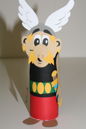 recycling paper: toilet paper tube dolls